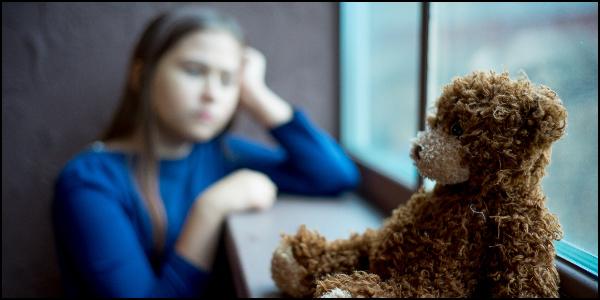 ストレスを感じている子供のイメージ