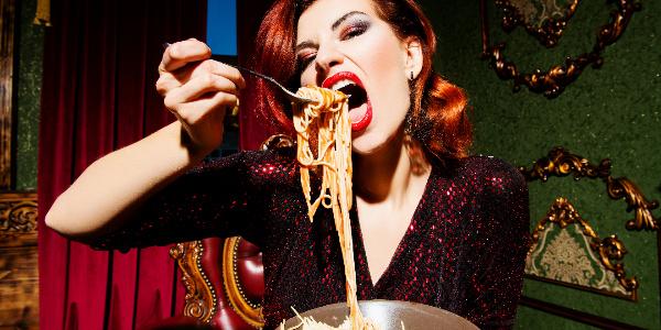 食生活が乱れている人のイメージ