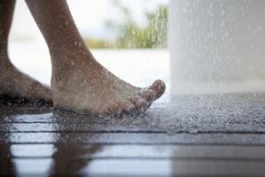 泡タイプ 床 濡らす